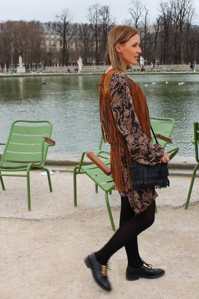 Beuteltasche mit Fransen Zara