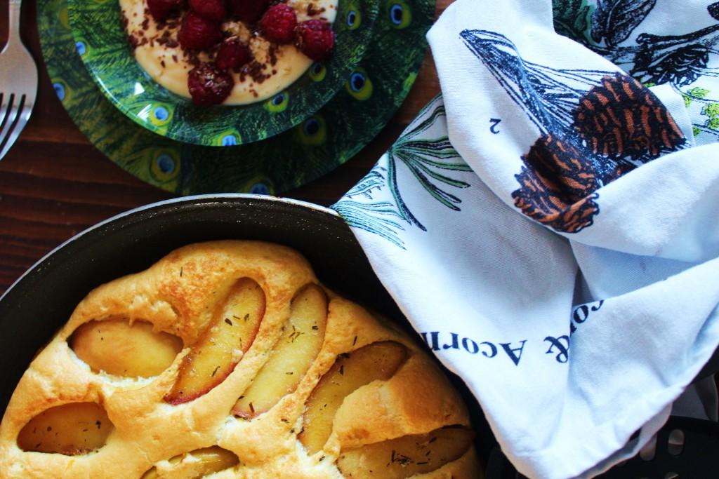 Apfel-Omelette mit Cheddar und Thymian