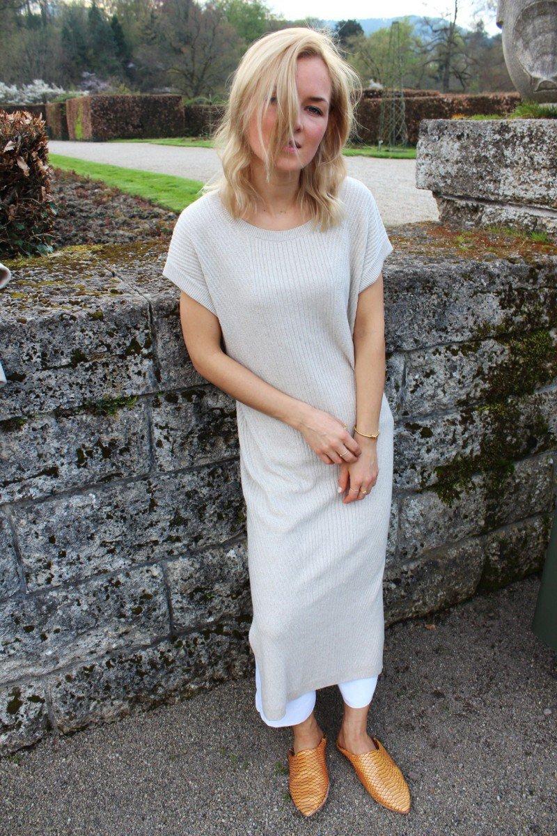 Nude Kleid richtig stylen