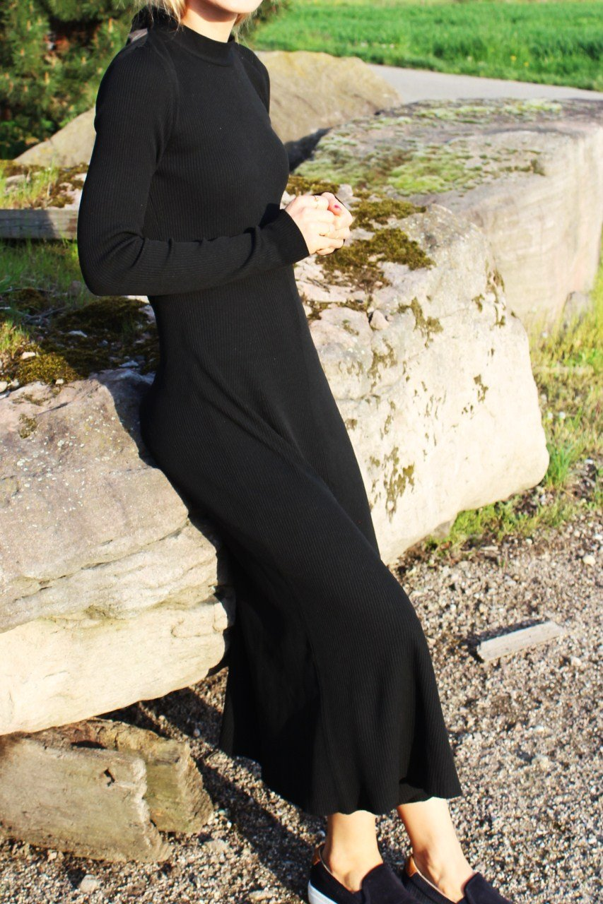 Rückenfreies Kleid Zara