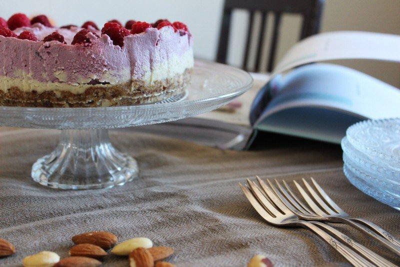 Cheesecake mit HImbeeren aus dem Buch vegan kann jeder