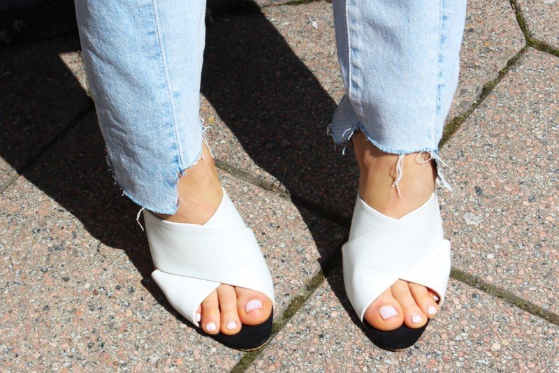 Weiße Leder Mules Trend