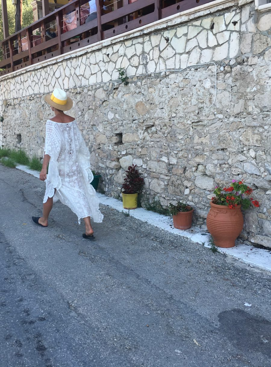 holidays in greece fashion blogger