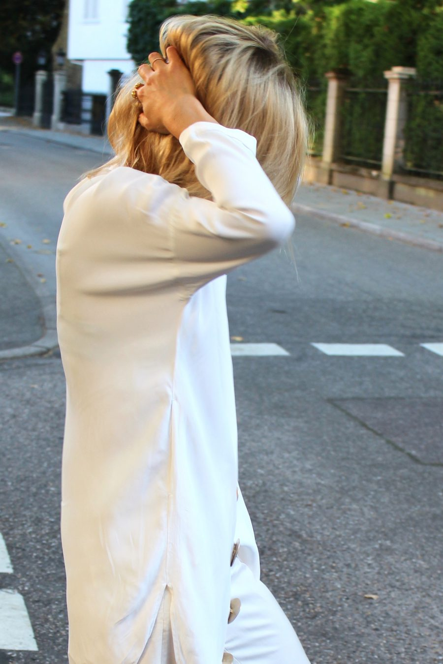 weite oversized bluse mit großen knöpfen