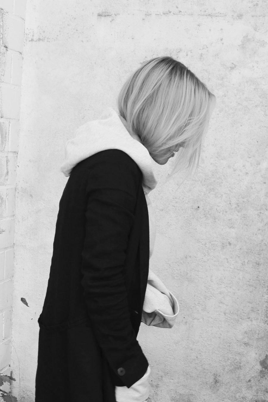 hoodie mit blazer kombinieren