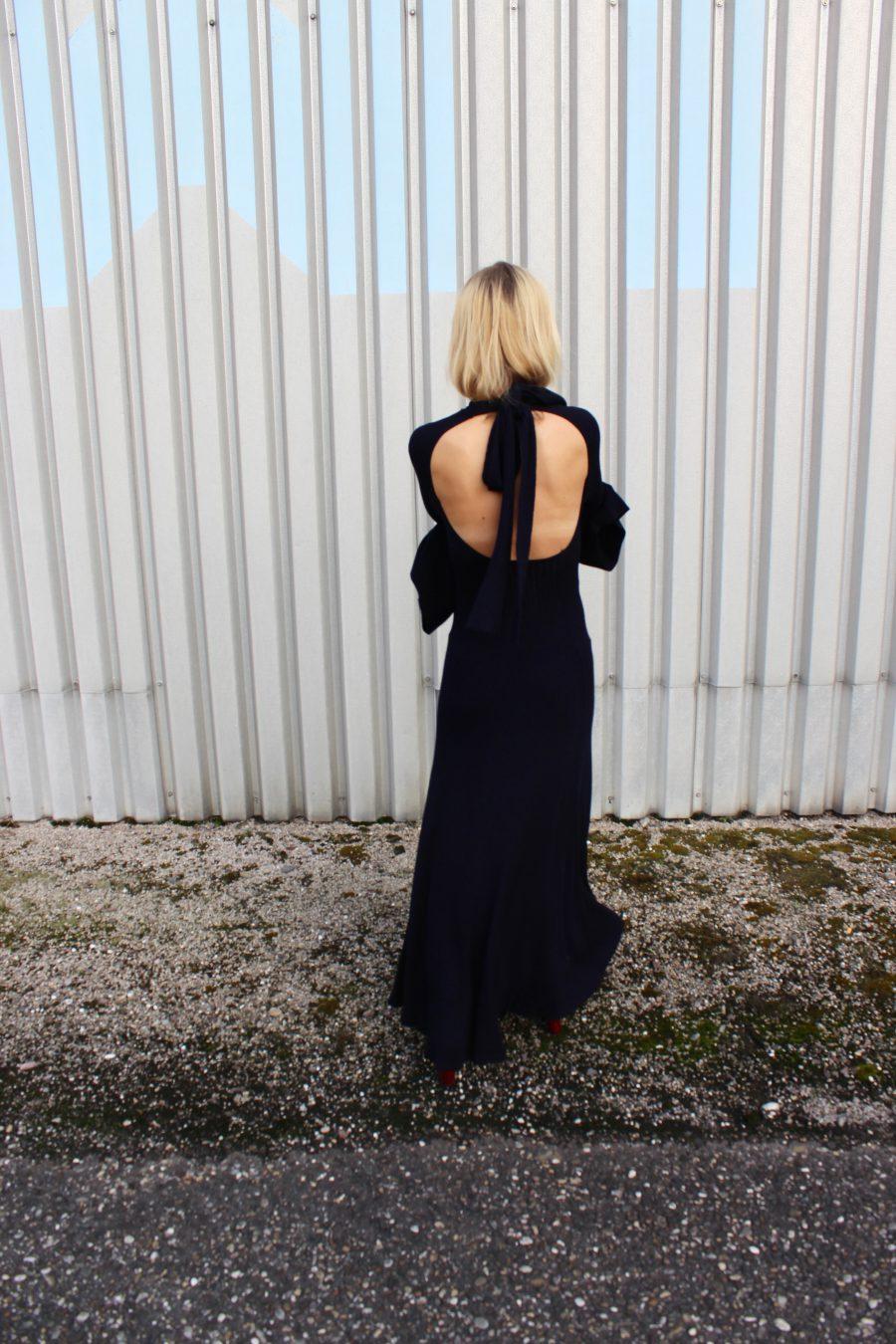 Rückenfreies Kleid H&M