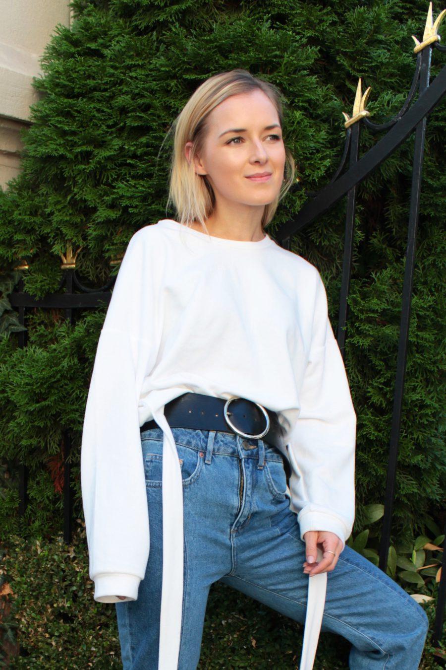 weißer sweater zara mit bindegürtel