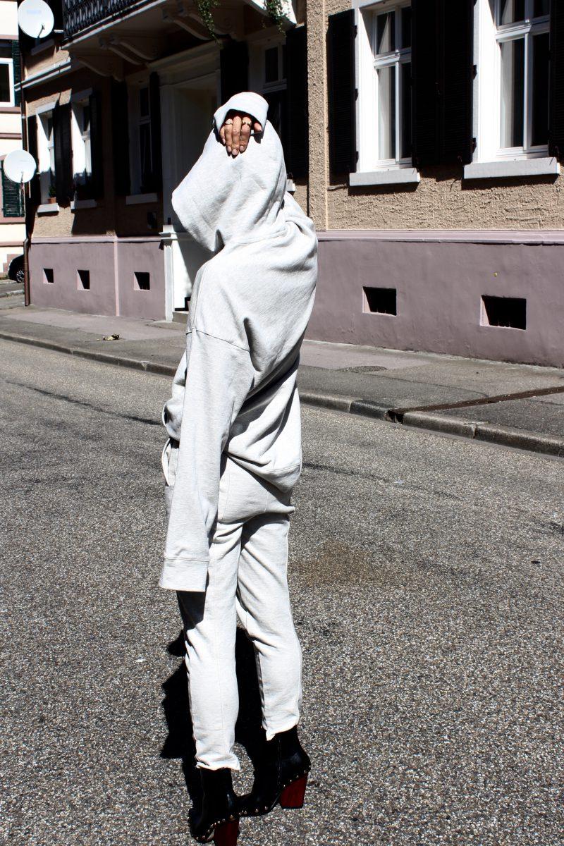 H&M Trend grauer Trainingsanzug