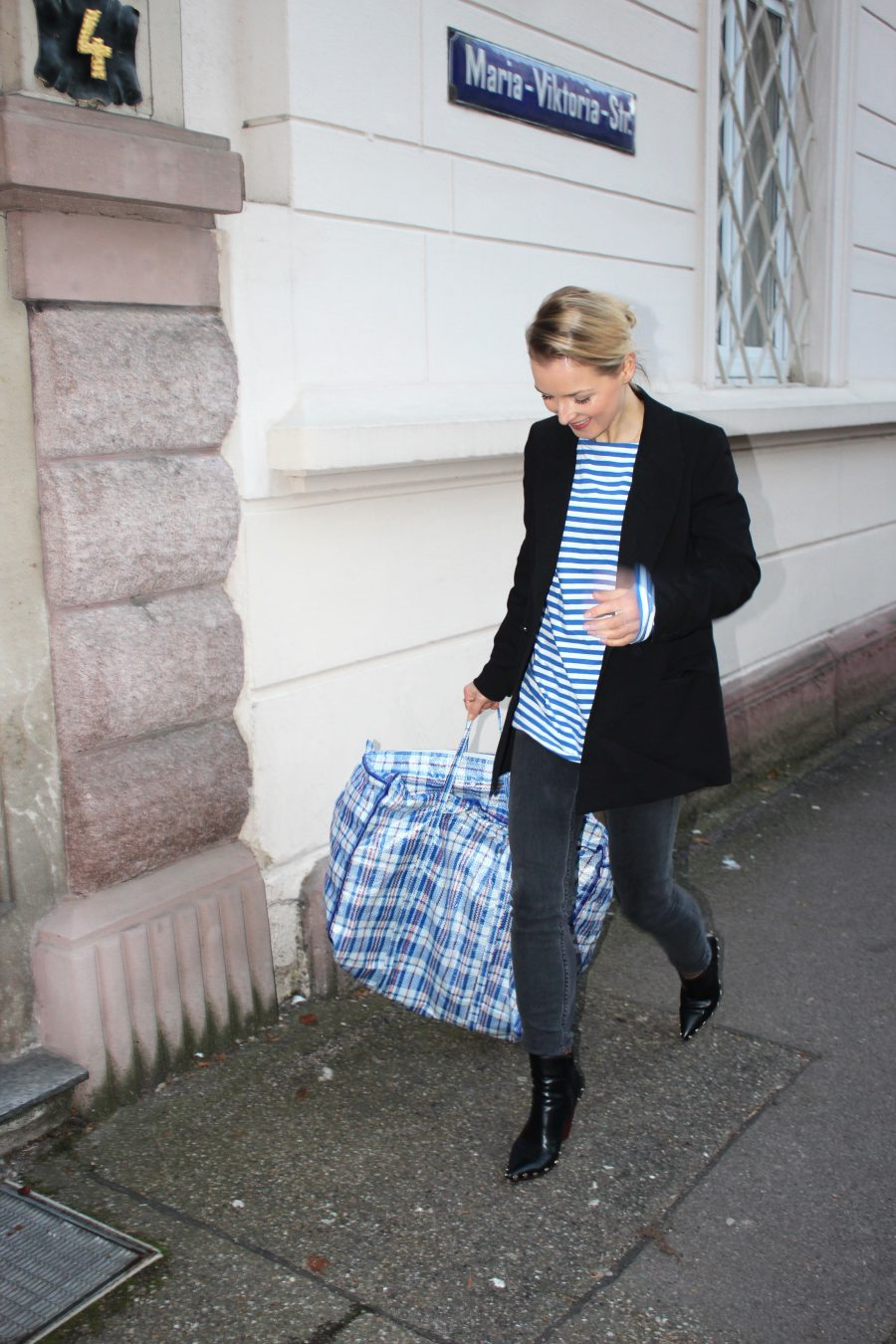 laundry bag blue / white