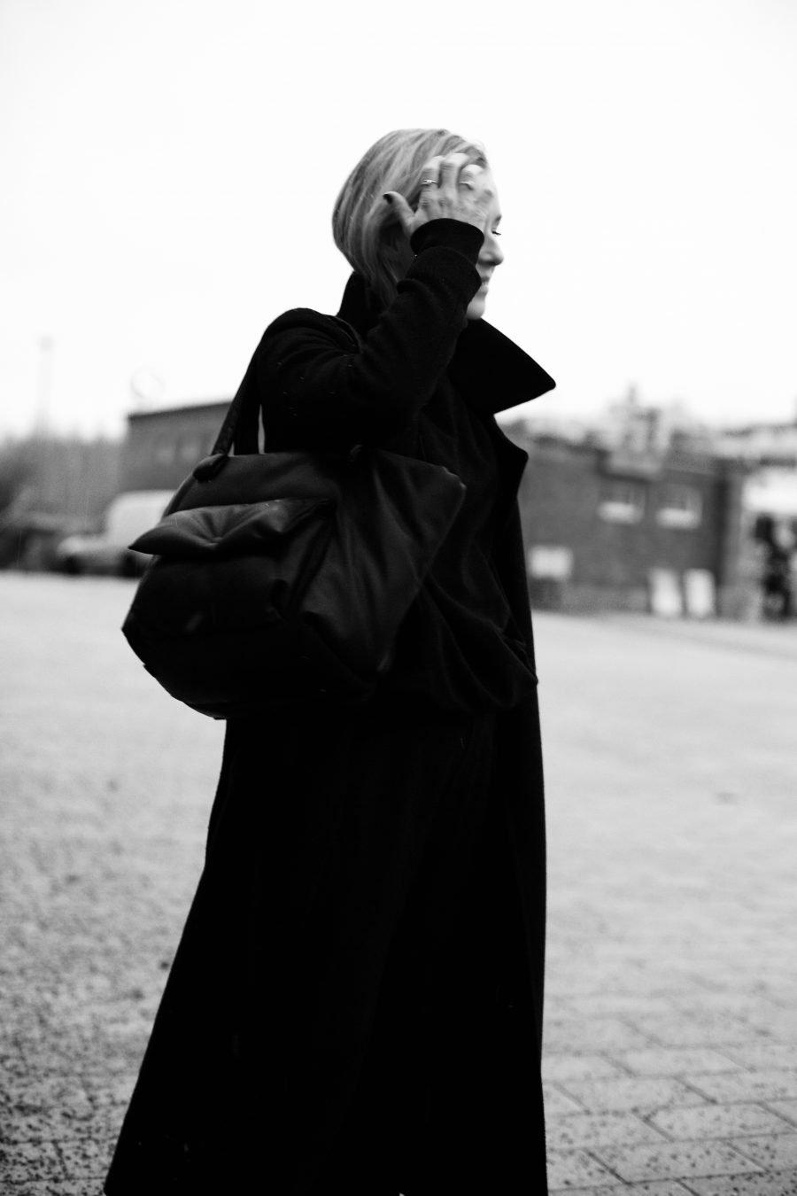 Céline Tasche schwarz