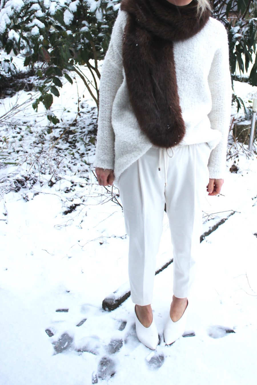 white pants massimo dutti
