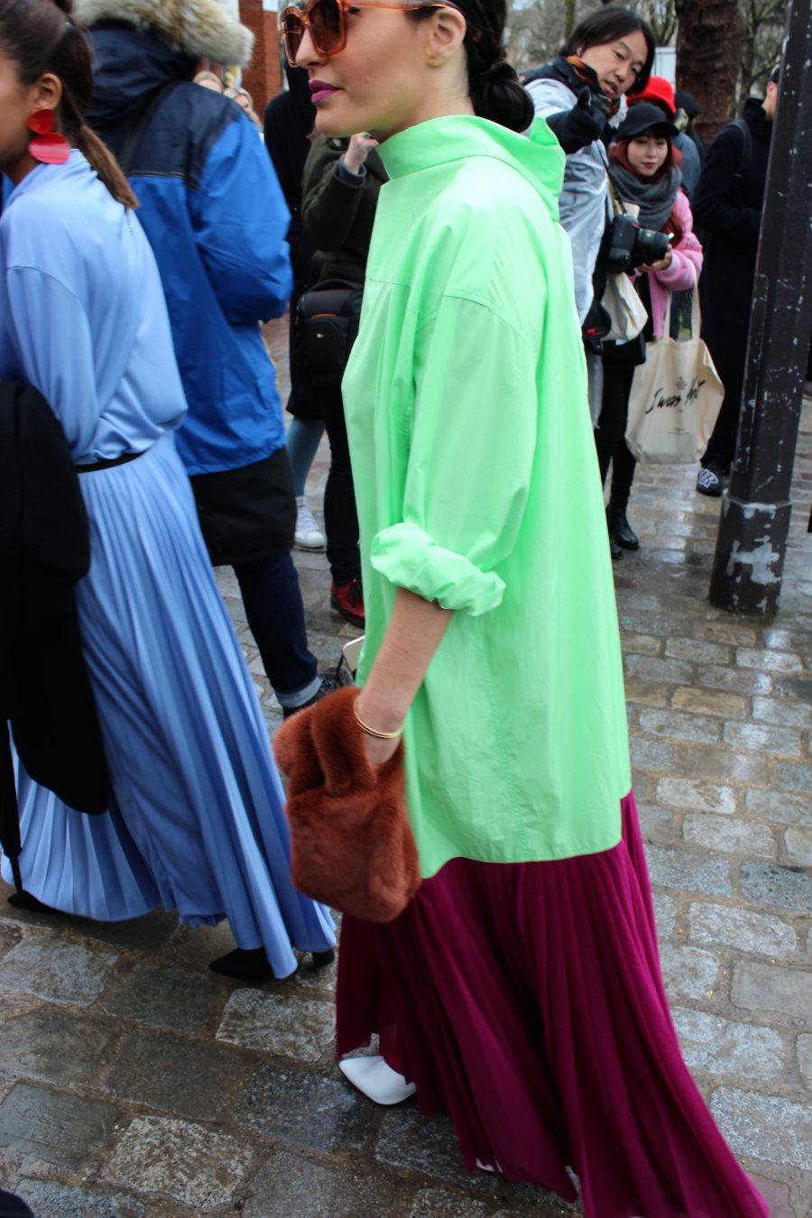 Streets style Paris Fashion Week FW/2017 Céline Runway