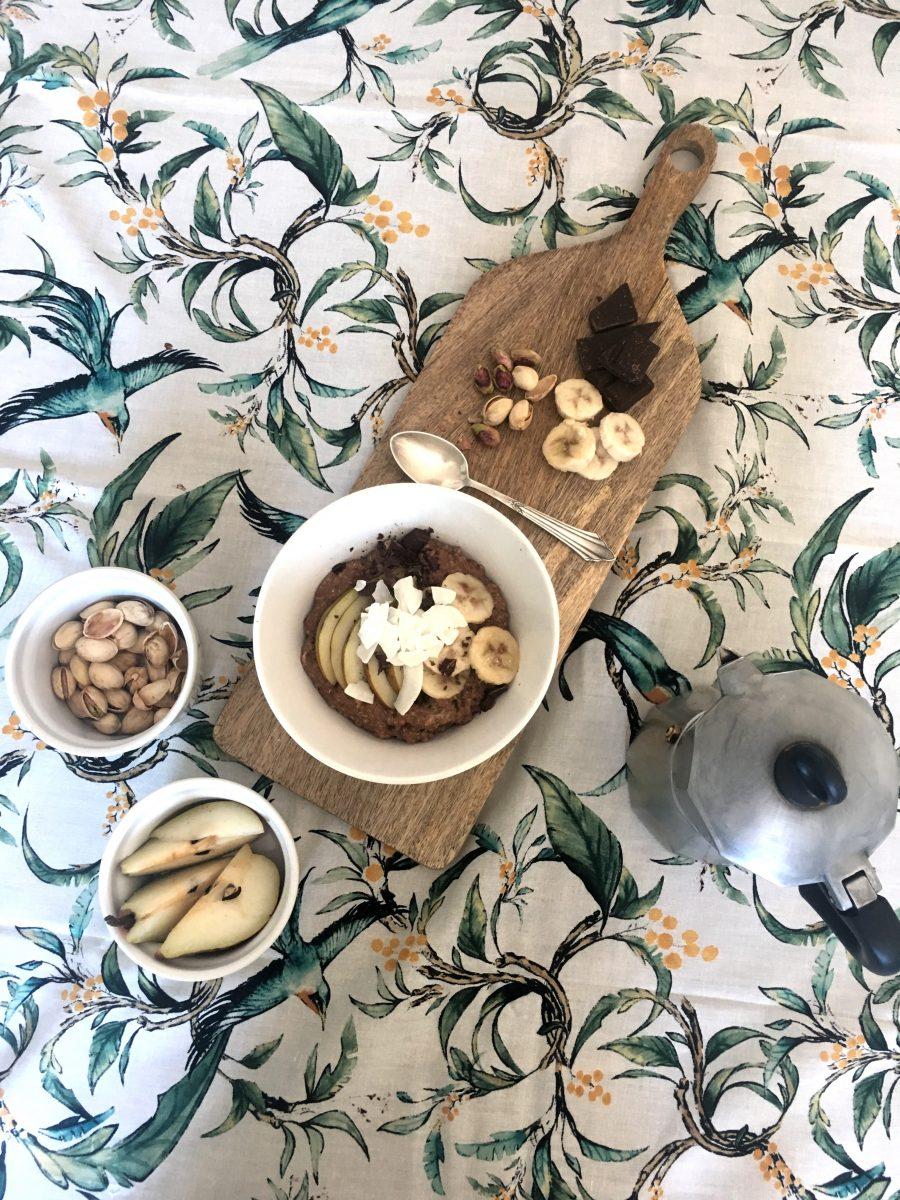 warmer Quinoa mit Birnen, Banane & Schokolade