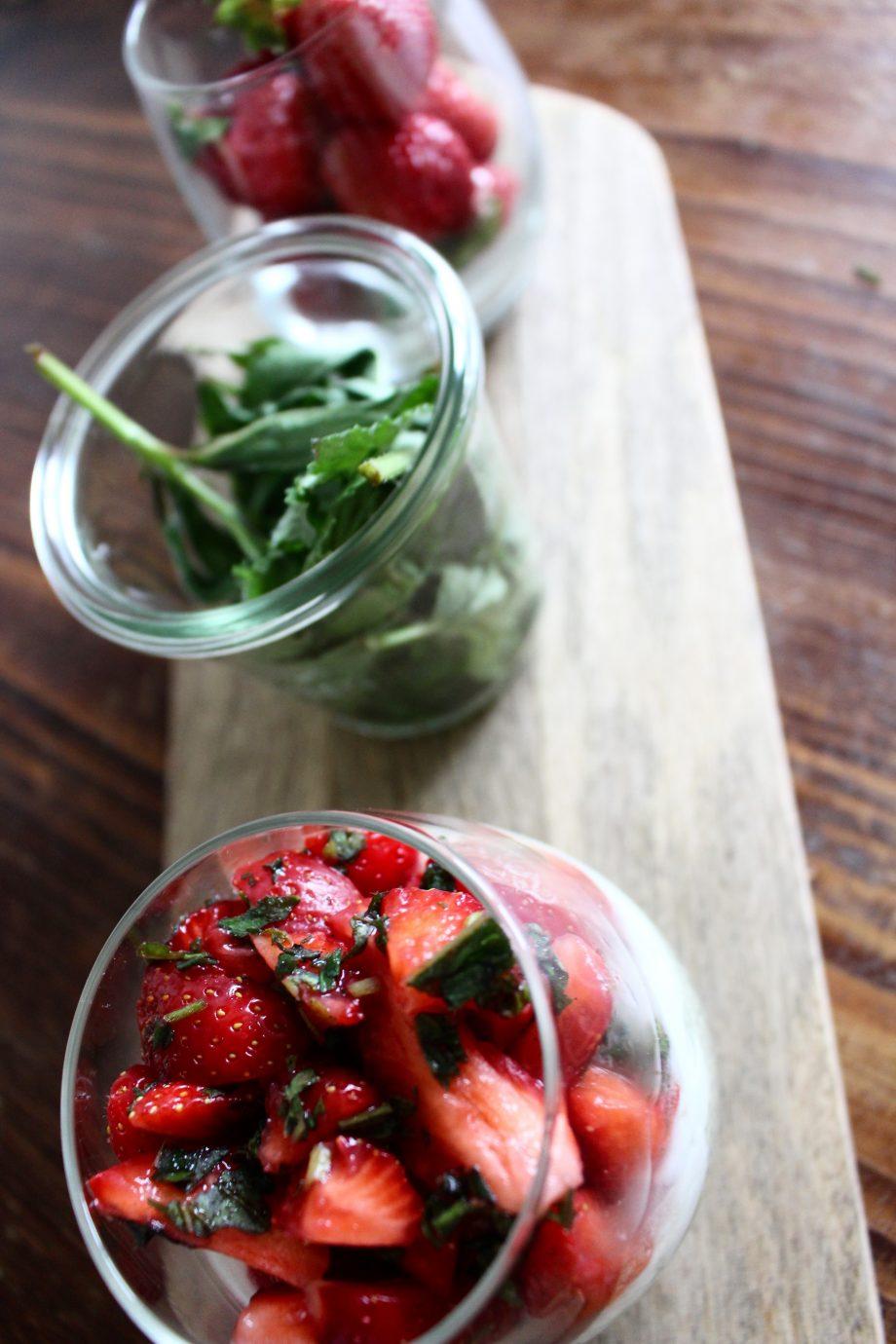 Matcha Chia-Pudding mit frischen Erdbeeren |22.05.2017