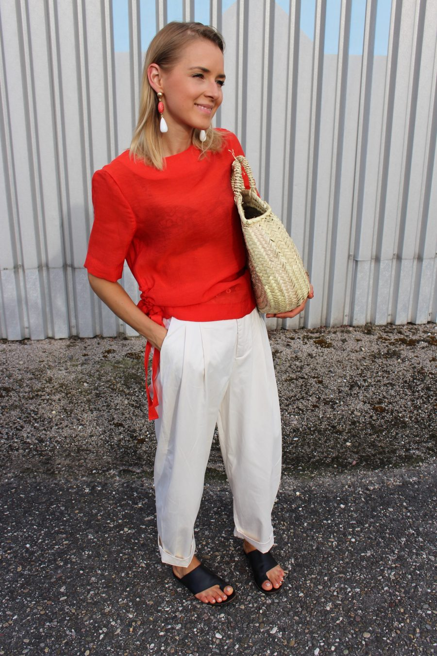 white pants zara