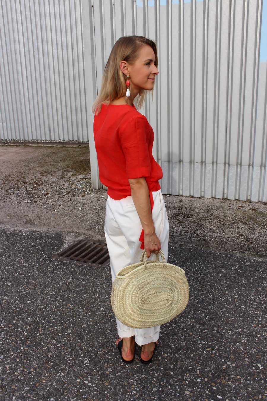 red details look of the day