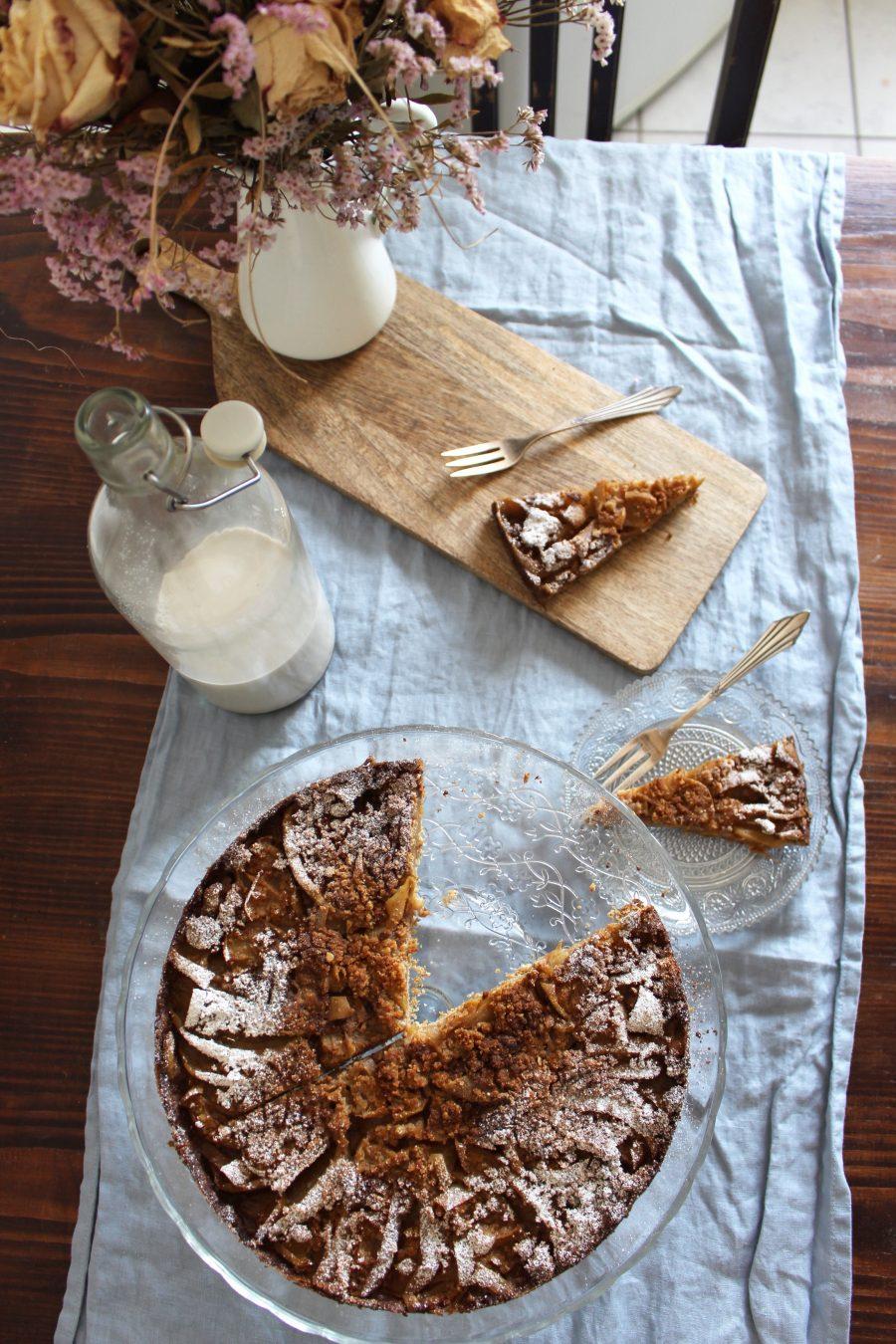 super easy apple cake
