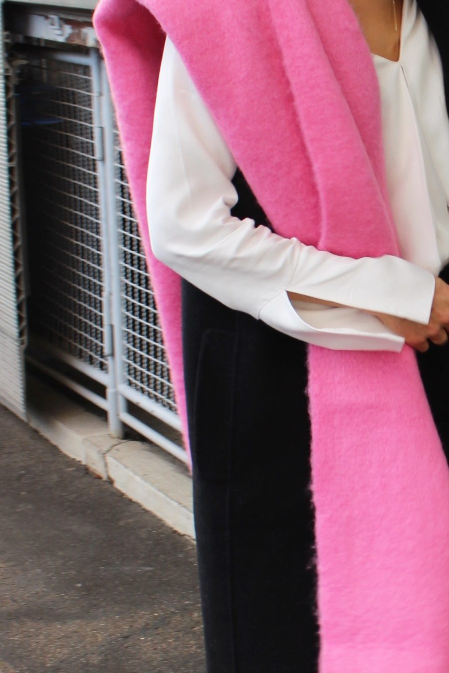 pink scarf hm trend