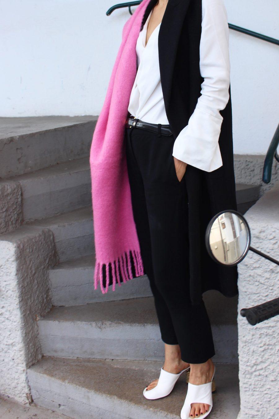 pink blanket céline