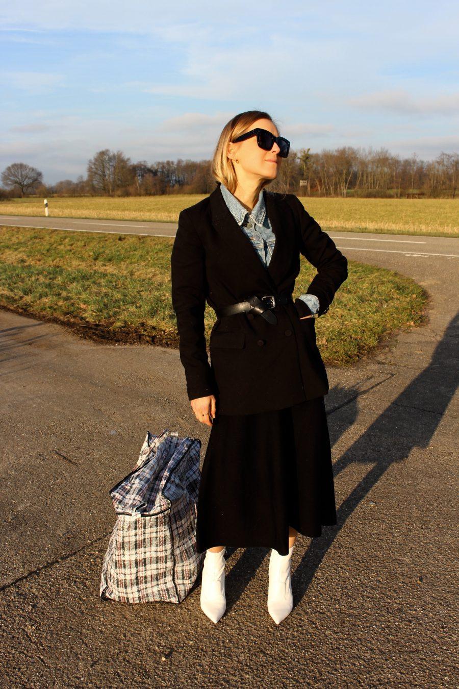 white boots balenciaga H&M trend