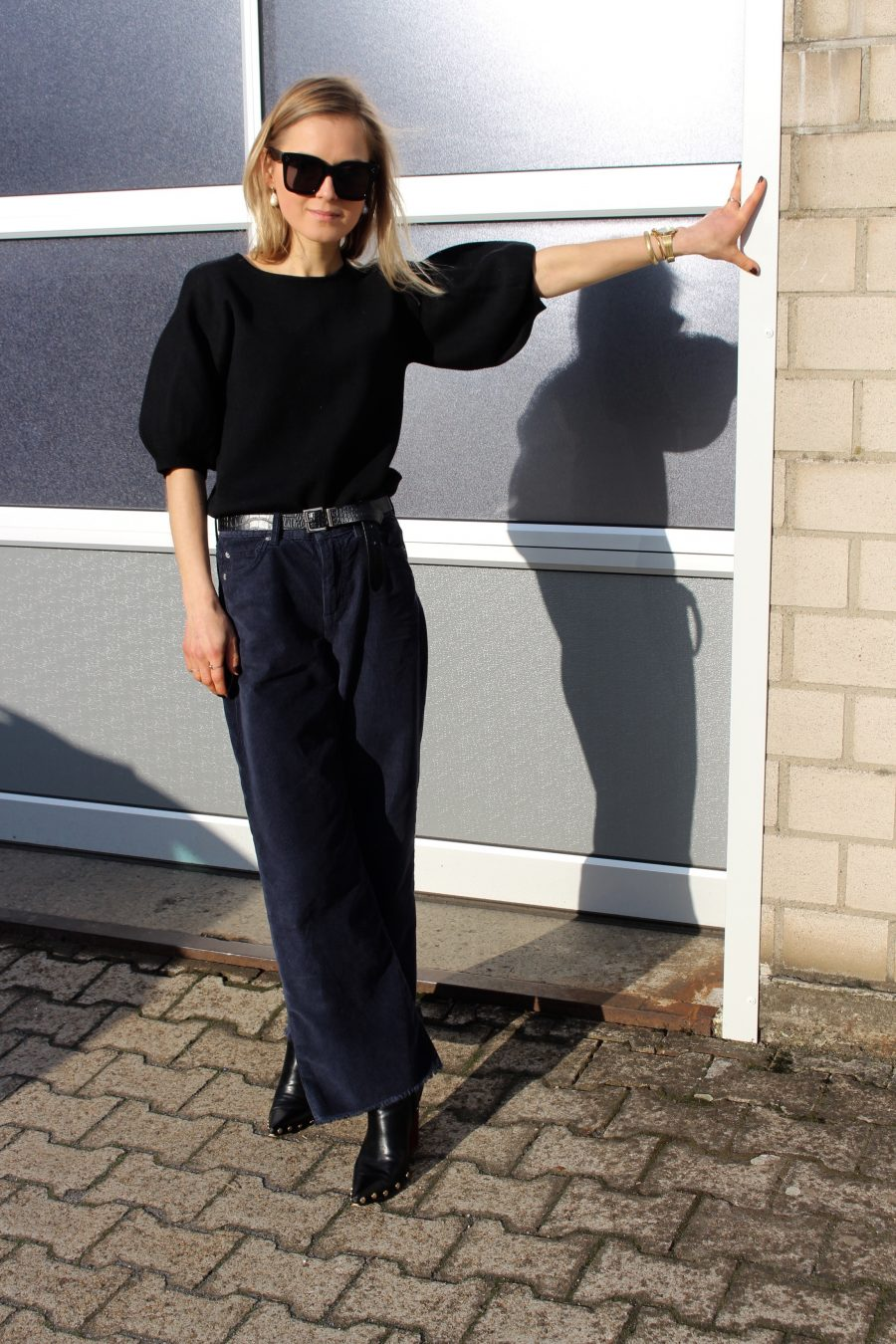 The Cord Trousers fashion blogger