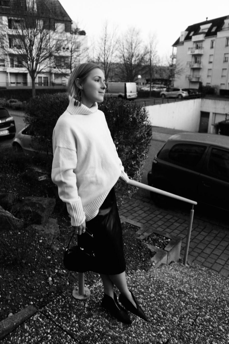 leather skirt fashion blogger