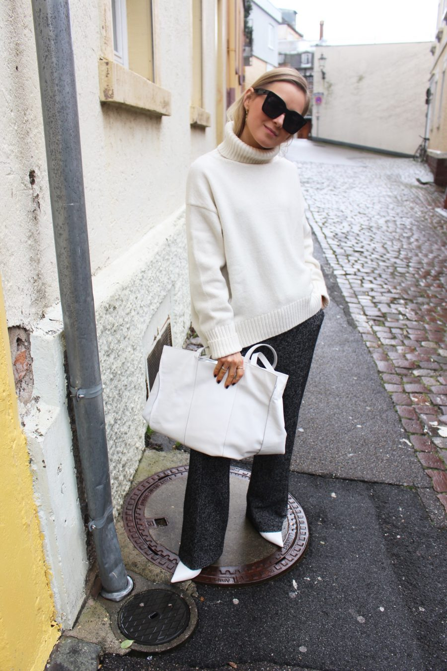 cozy sweater beige h&M trend