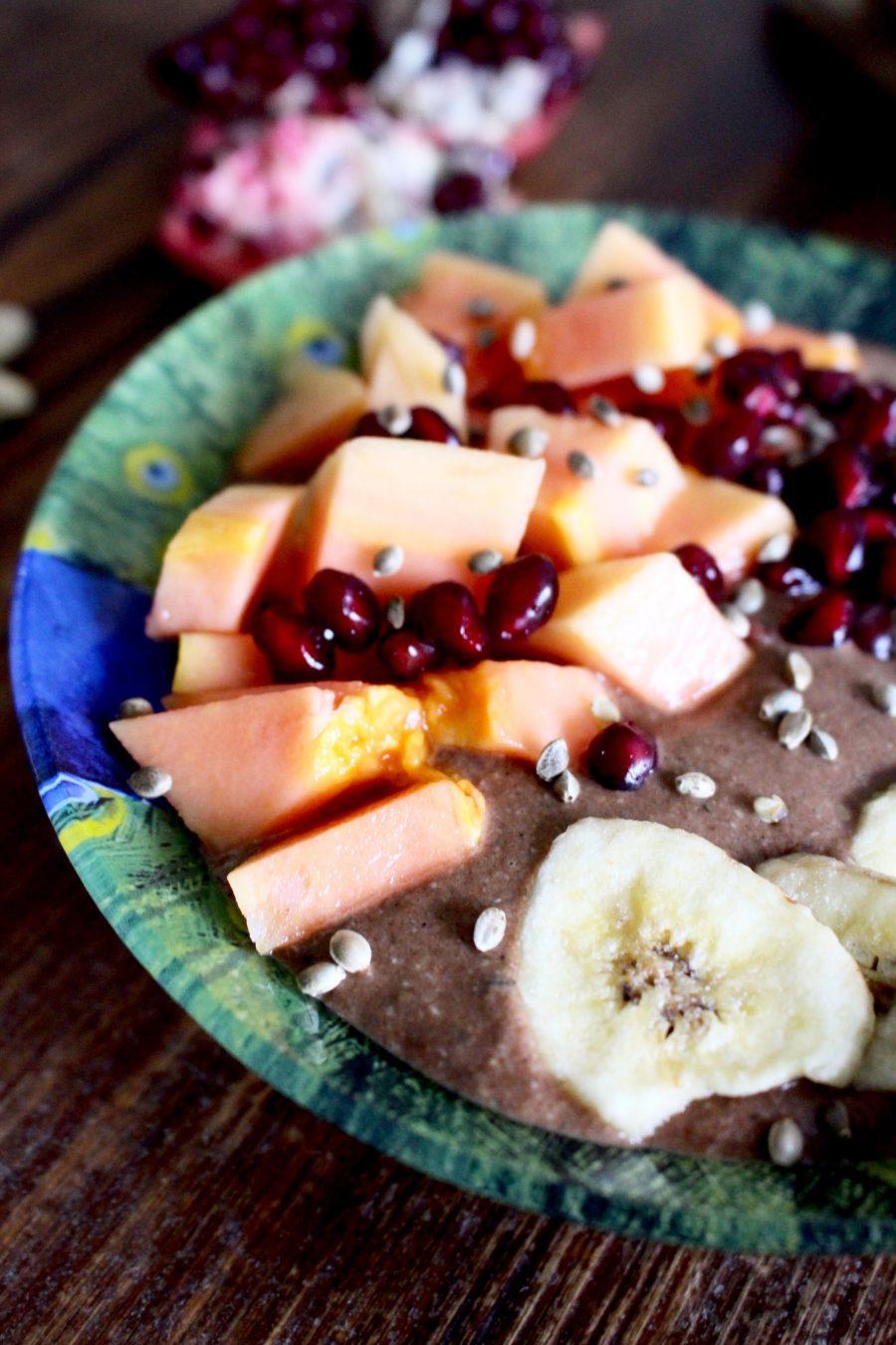 Schoko Bananen-Bowl mit Papaya