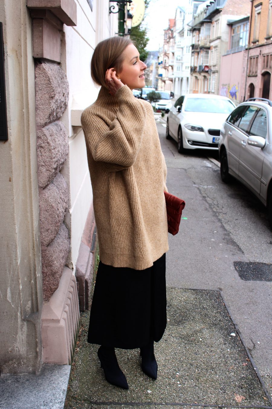 beige camel sweater H&M