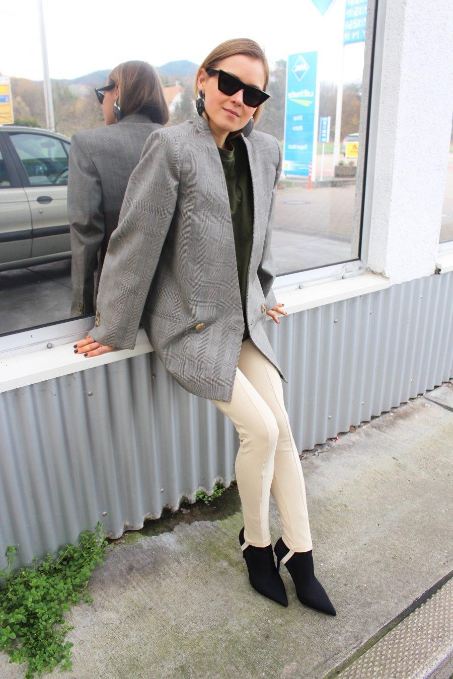 balenciaga tights leggings trend 2018
