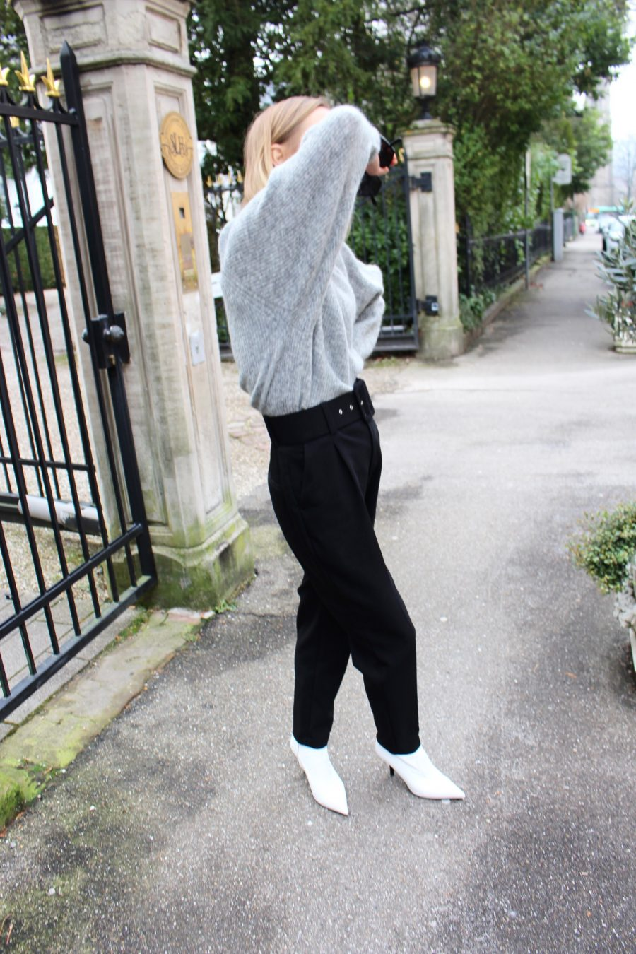 High waisted Trousers black Zara