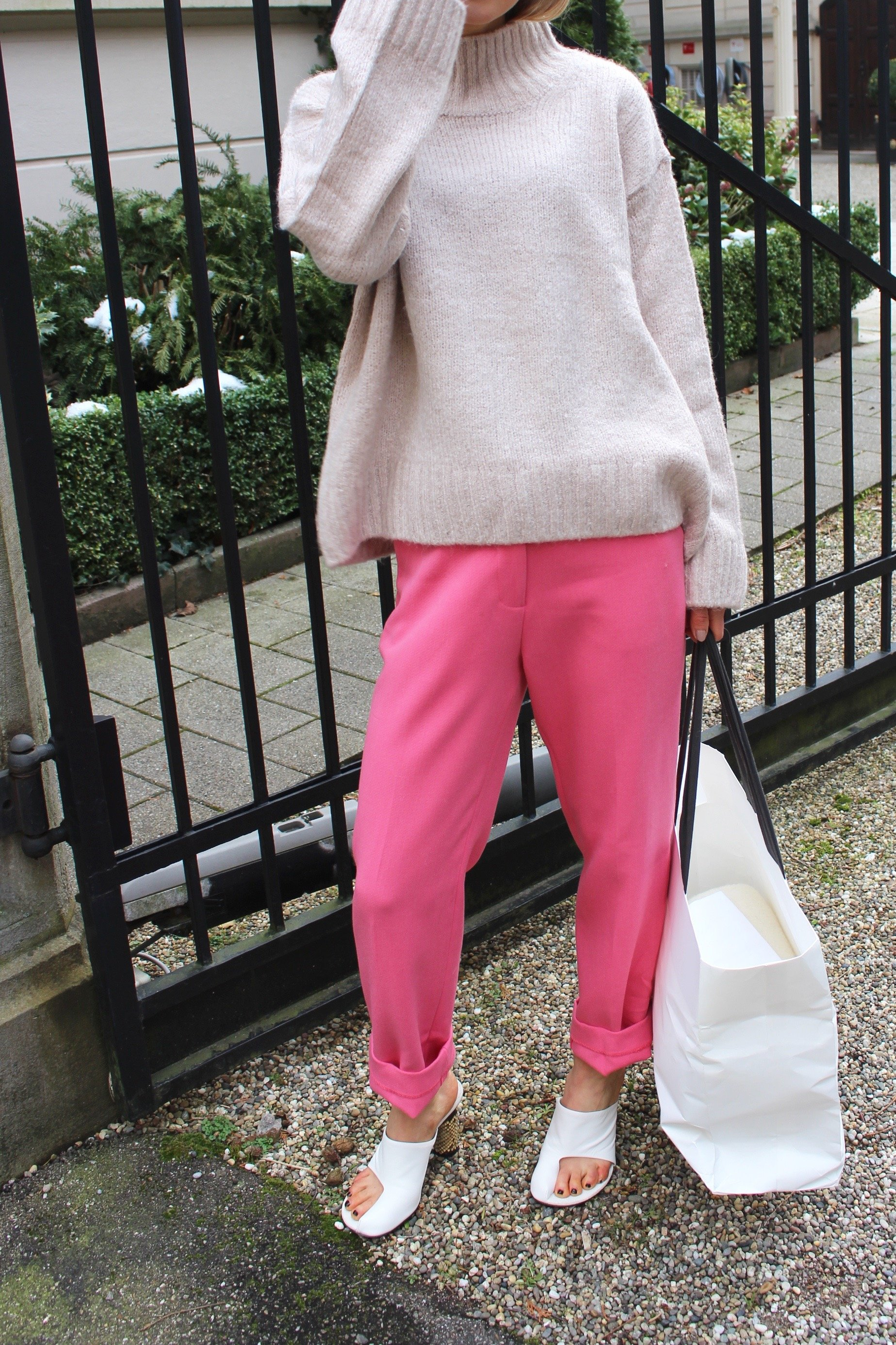 Pink trousers H&M trend