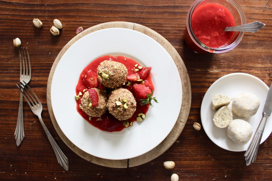 Quarkknödel mit Erdbeeren