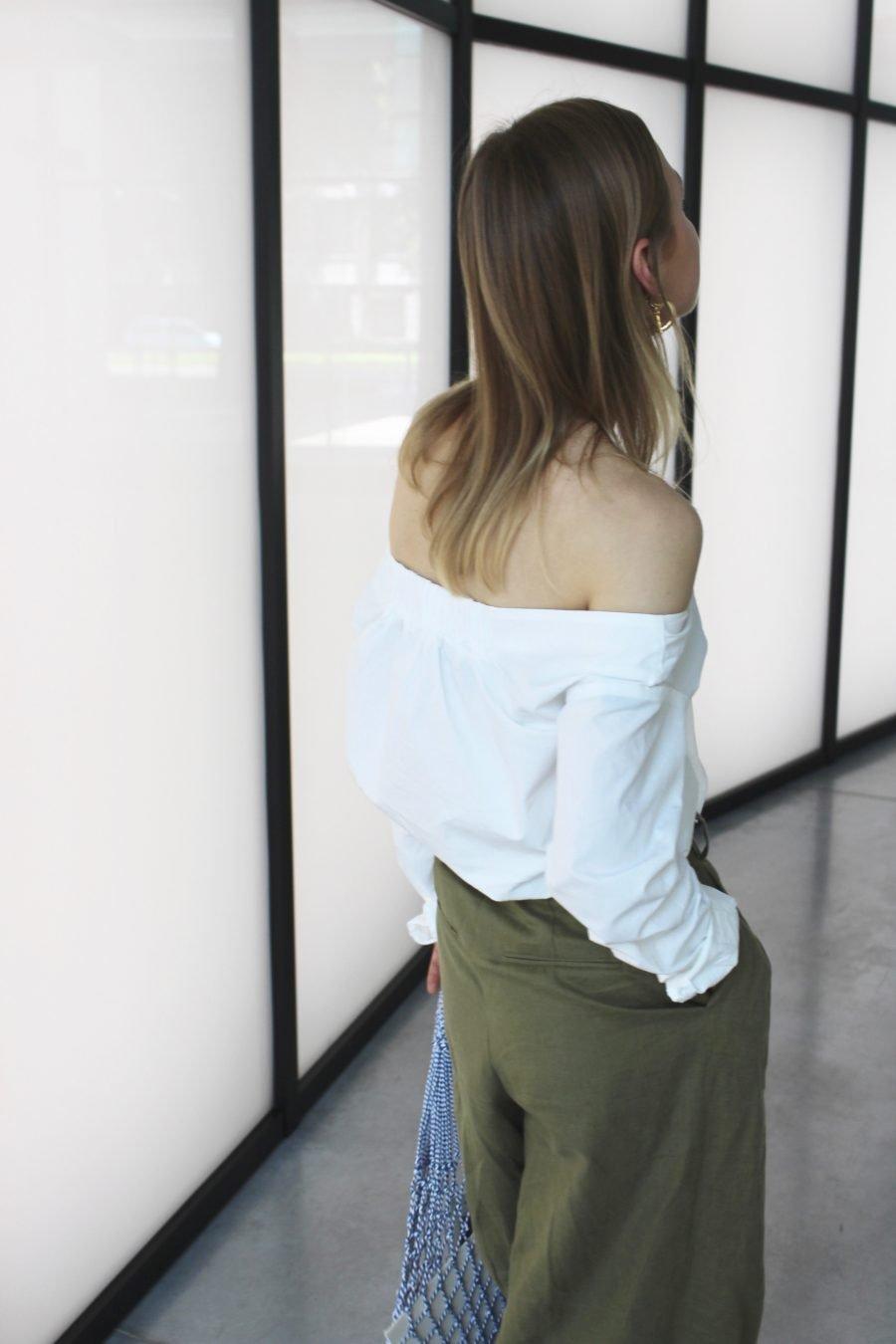 H&M white bluse trend 2018