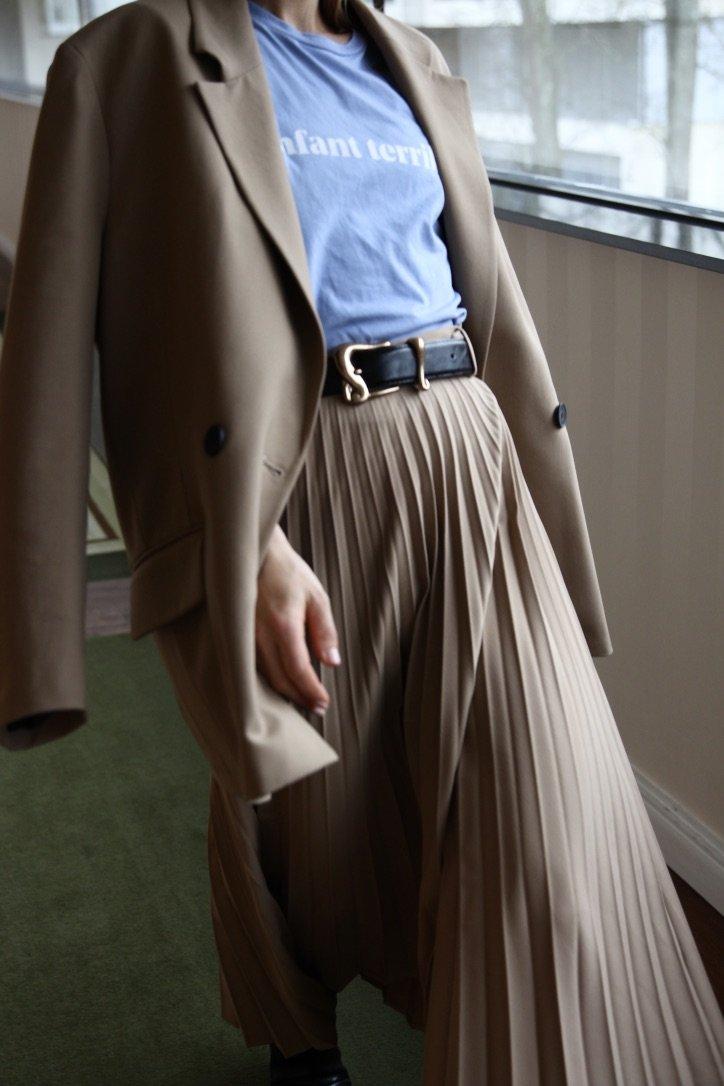 The Pleated Skirt | 26.11.2019