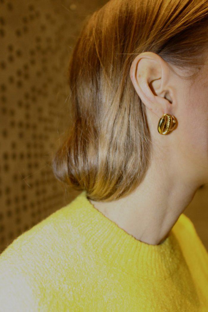 gold earrings like céline
