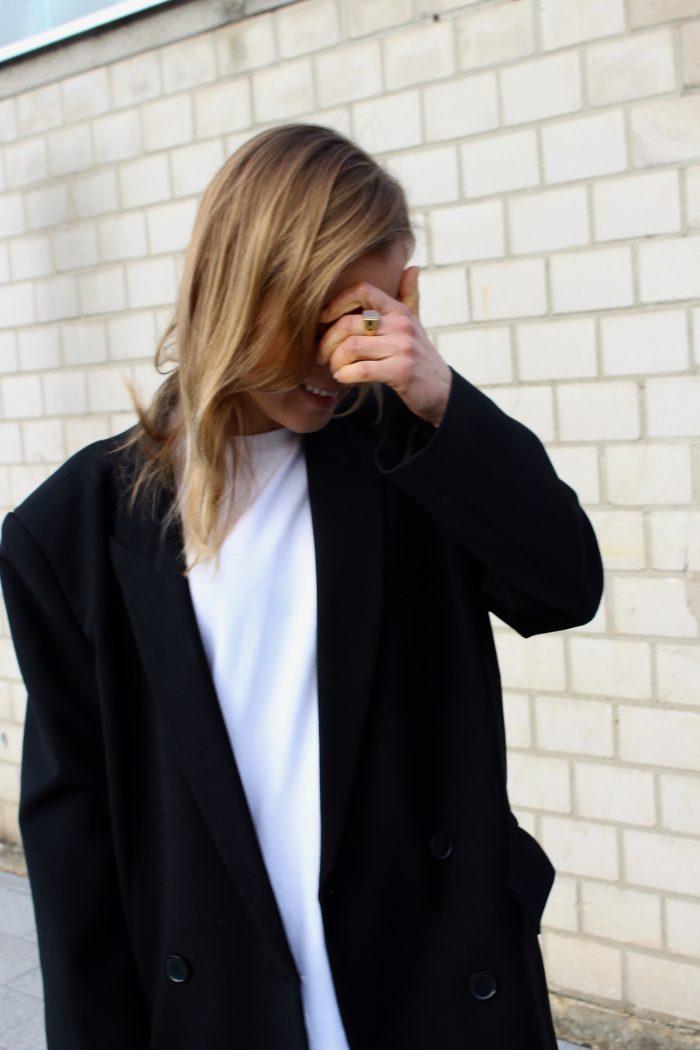 white shirt fashion blogger style