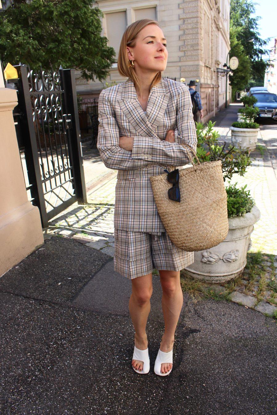 The Massimo Dutti Suit