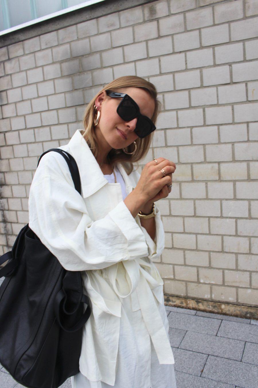 Burgundy sandals H&M trend