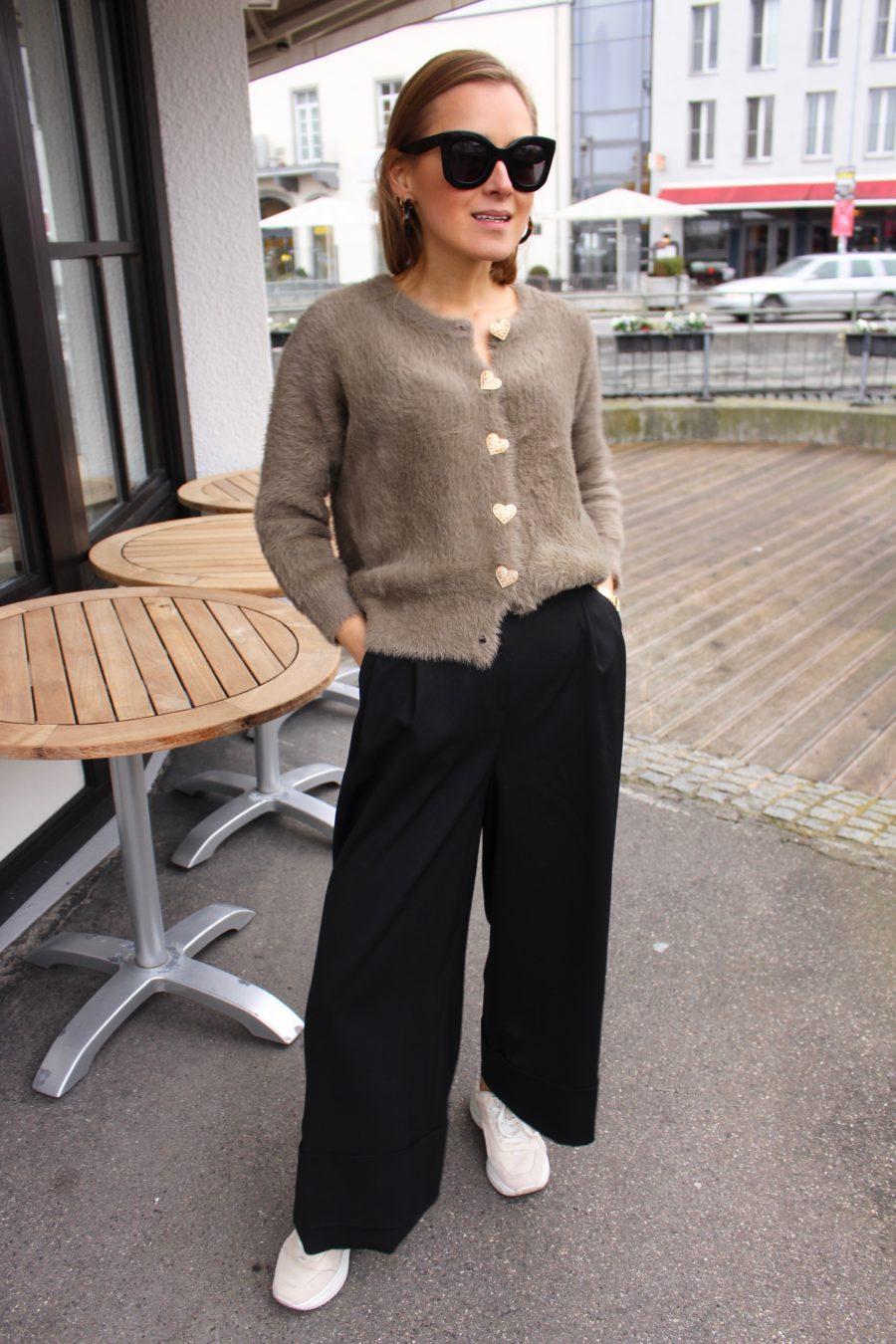 massimo dutti black trousers