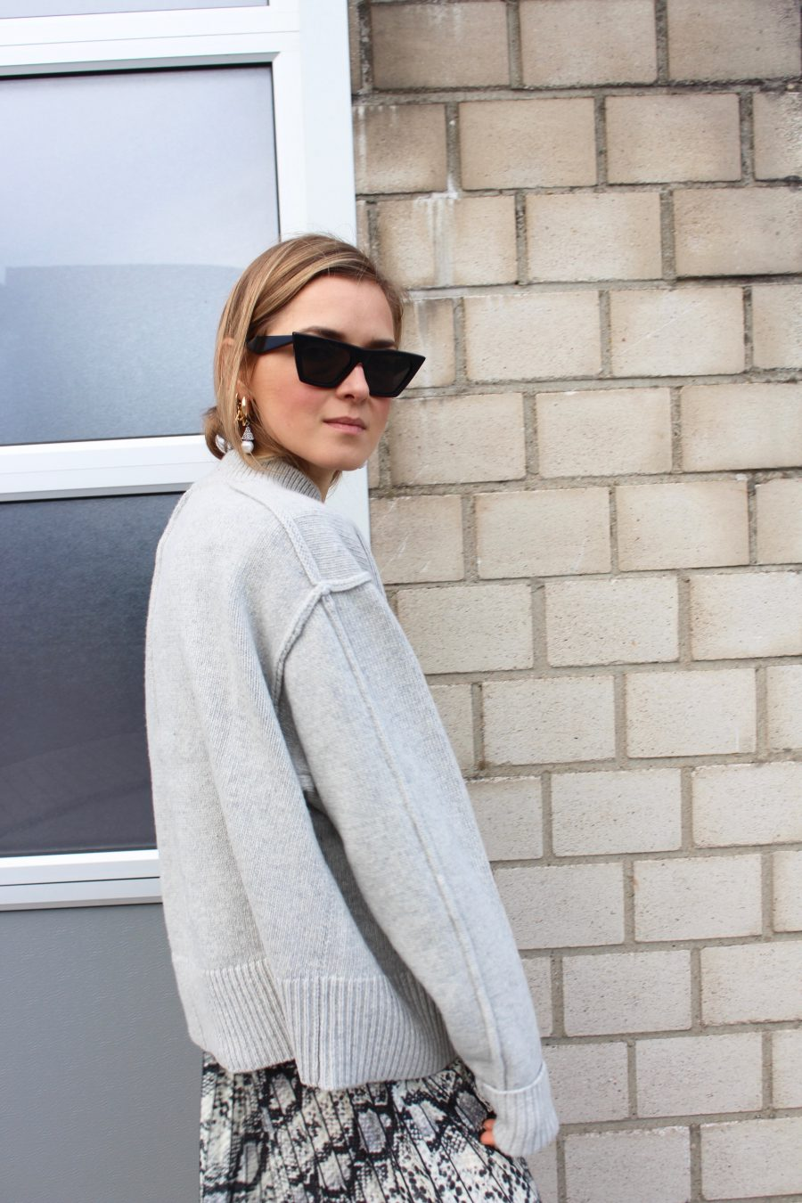Grey Sweater H&M Trend